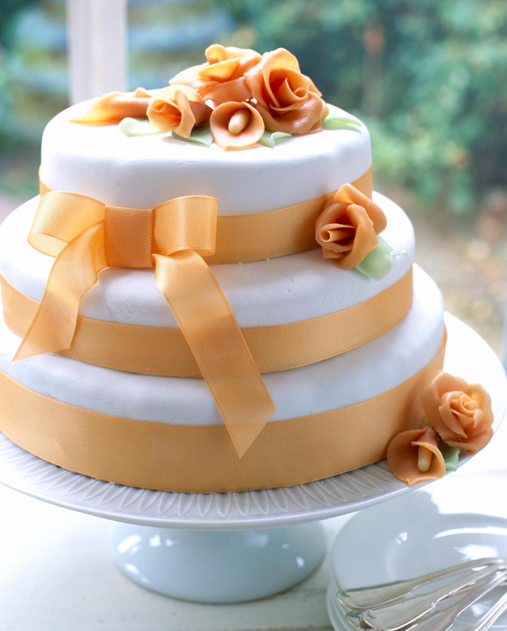 Hochzeitstorte selber backen - so geht's!