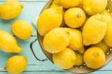 Fatburner-Diät: Zitronen in einem Nudelsieb