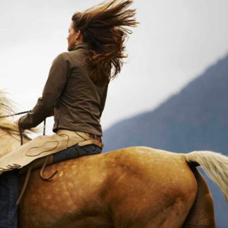 Pferd frau sex Peeing After