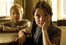 Die kleine Hildegard (Nina Siebertz) hat wieder etwas ausgefressen