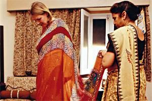 Ein Sari für das Hochzeitsfest