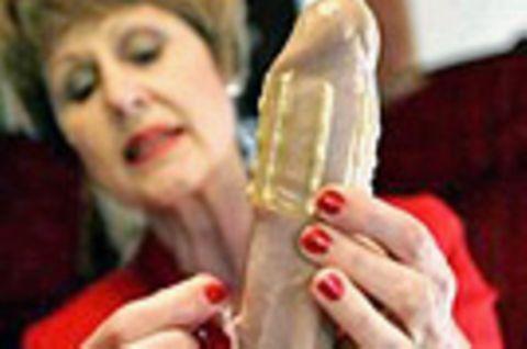 Rape-axe: Kondom mit Zähnen