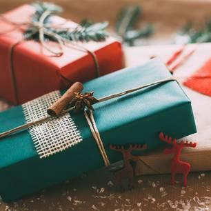 Geschenkverpackung Mit Liebe Verpackt Geschenkpapier Zum