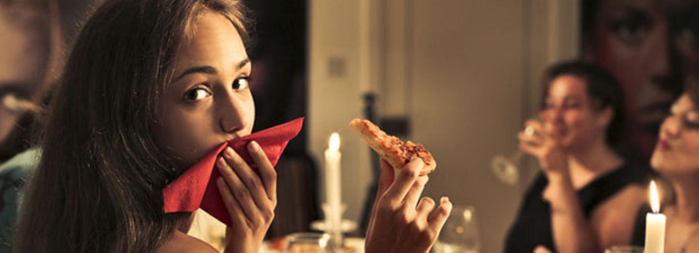 Wie du deine Pizza isst, sagt eine Menge über dich aus