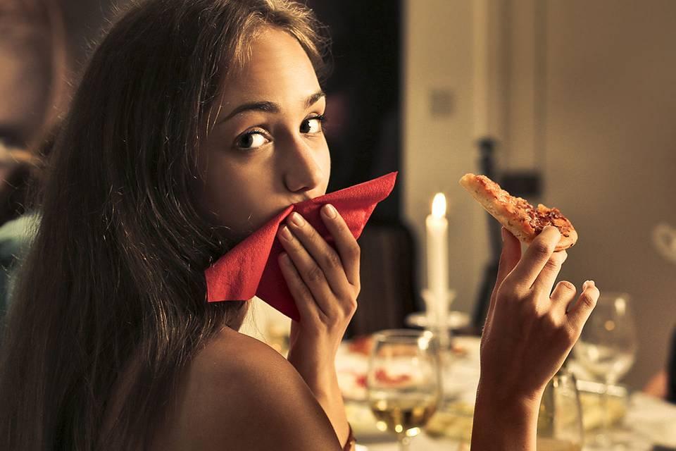 Persönlichkeitstest: Wie du deine Pizza isst, sagt eine Menge über dich aus