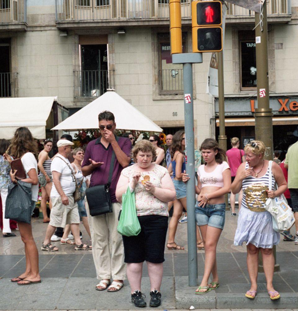 Wie Dicke auf der Straße angestarrt werden