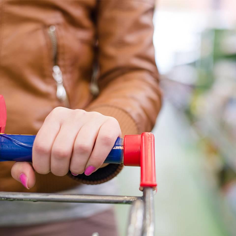 Mit diesen Tricks geht's an der Supermarkt-Kasse schneller