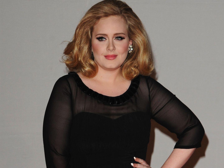 So entwaffnend kontert Adele die blöde Figur-Frage