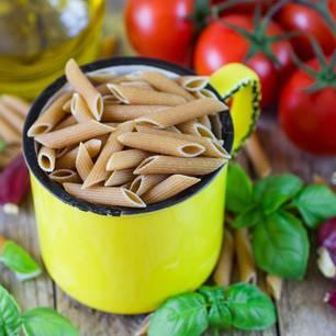 Schlank werden mit Nudeln: Tasse mit Nudeln
