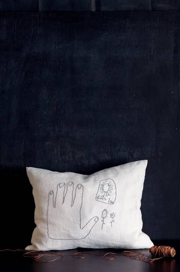 anleitung kissen mit kinderzeichung selber machen. Black Bedroom Furniture Sets. Home Design Ideas