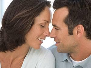 Beziehungen: Acht Tipps für die Partnersuche über 40