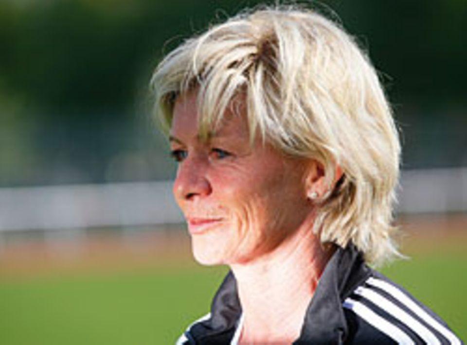 Seit 2005 ist Silvia Neid, 49, Nationalmannschafts-Trainerin. Zuvor war sie eine der drei erfolgreichsten Spielerinnen Deutschlands.