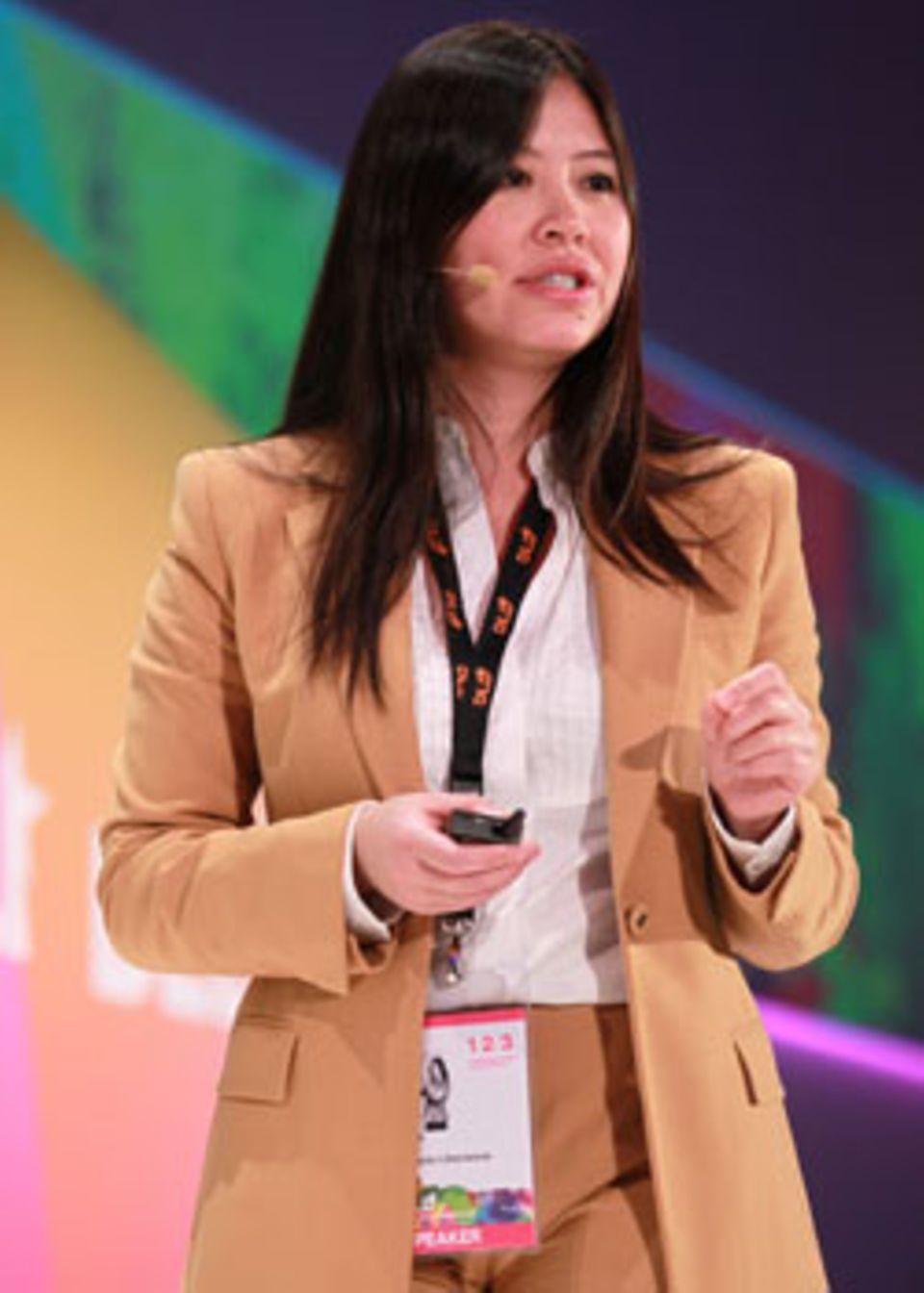 Tan Le, 36, baute 2003 die Firma Emotiv in San Francisco auf, die Hardware für Gehirn-Computer-Schnittstellen herstellt. Seit 2011 gehört dazu auch Emotiv Lifesciences, wo Daten aus Gehirnstrommessungen gesammelt und ausgewertet werden.