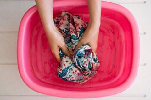 Handwäsche: Sanfte Pflege für feine Fasern