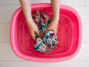 Wäschepflege: Handwäsche: Sanfte Pflege für feine Fasern