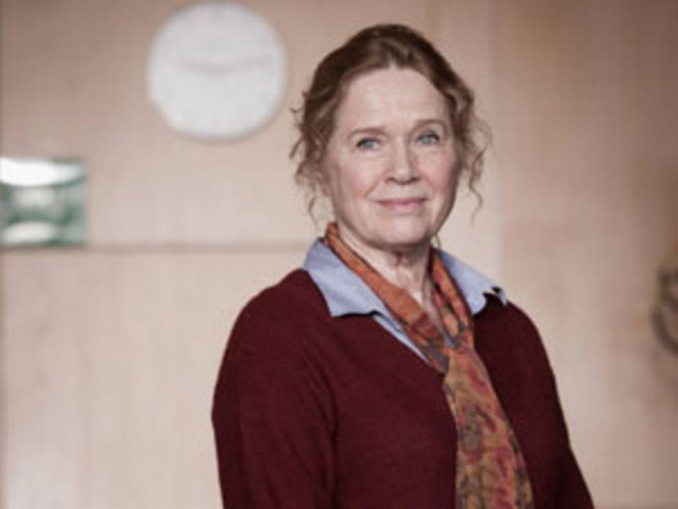 """Berühmt wurde Liv Ullmann mit den Filmen von Ingmar Bergman, ihre bekannteste Rolle spielte sie 1973 in """"Szenen einer Ehe"""". Die Tochter eines Ingenieurs wuchs in Kanada, Tokio und Norwegen auf. Ihre Tochter Linn kam 1966 zur Welt. 2004 bekam sie den Europäischen Filmpreis für ihren """"Beitrag zum Weltkino""""."""