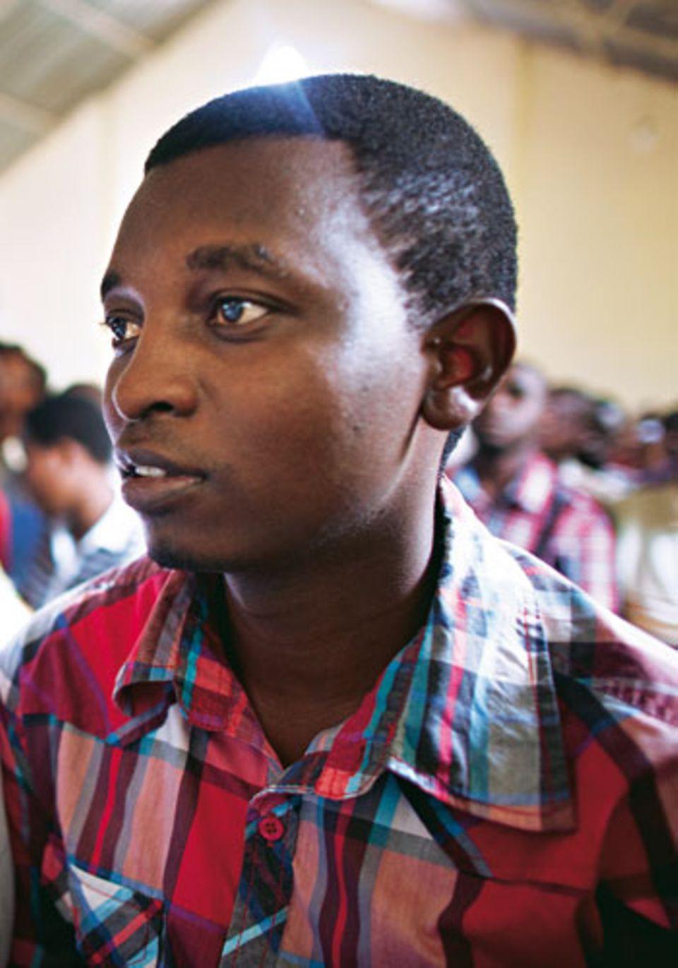 Placide hat Betriebswirtschaft studiert. Er überlebte das Massaker in der Kirche von Musha