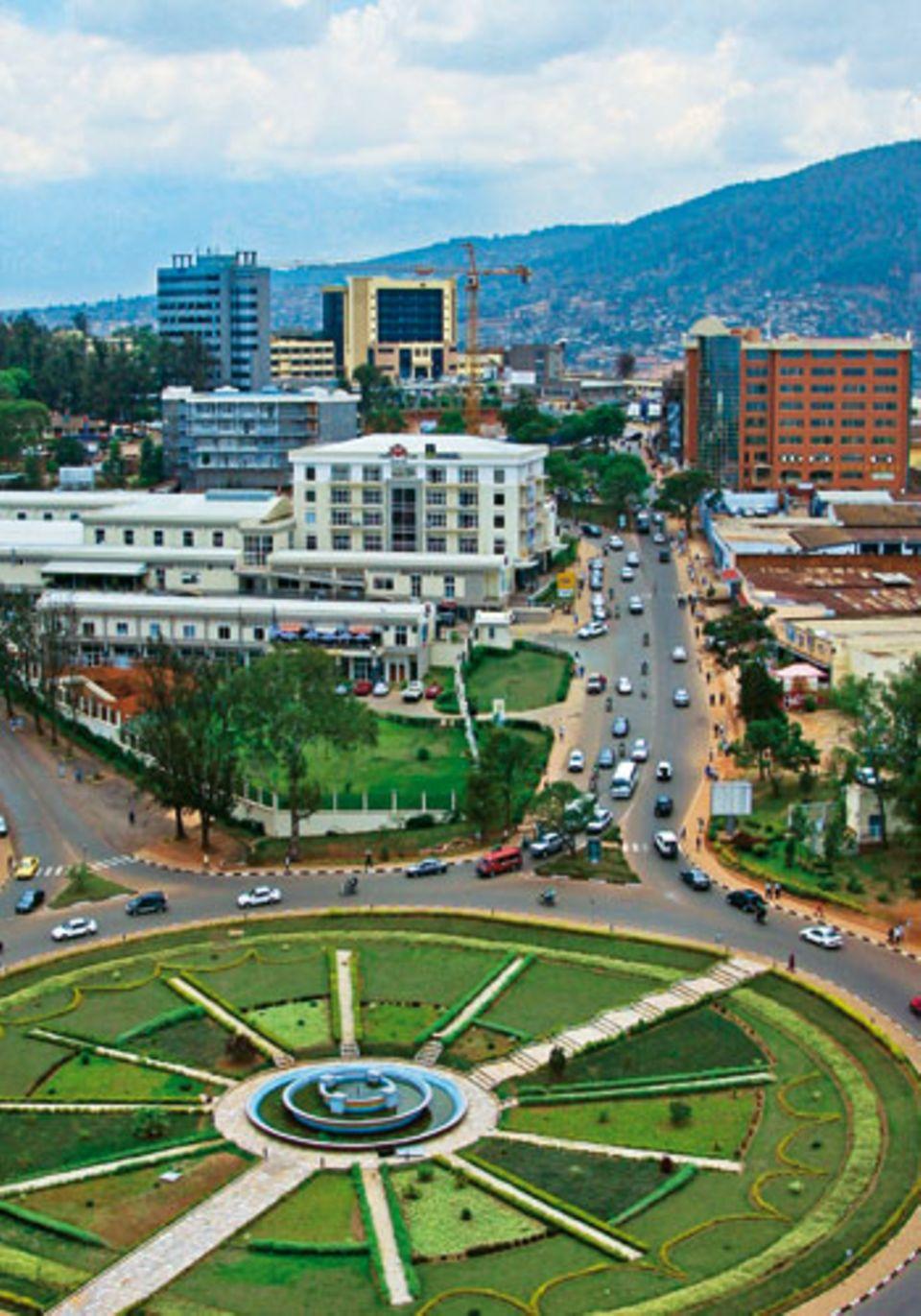 Wolkenkratzer, Shoppingcenter: Die Hauptstadt Kigali ist ein Wirtschaftszentrum in Ostafrika