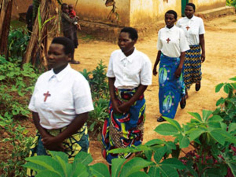 Kriegswaisen in Ruanda: Der Glaube an das kleine Glück