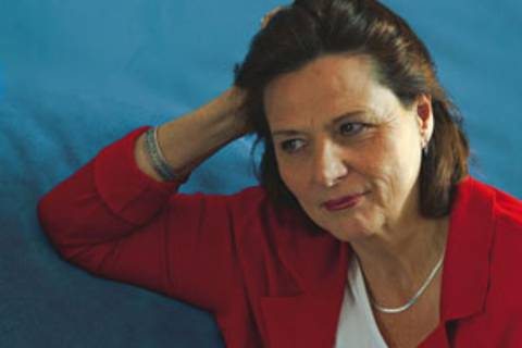 Ihre Tochter war die erste Brustkrebs-Patientin in der Familie. Deswegen ahnte Brigitte Schneider auch nichts von ihrer erblichen Belastung.