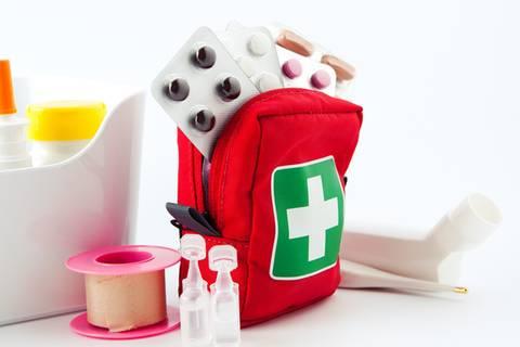 Diese Medikamente gehören in den Koffer