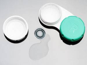 Besser sehen: Kontaktlinsen richtig pflegen