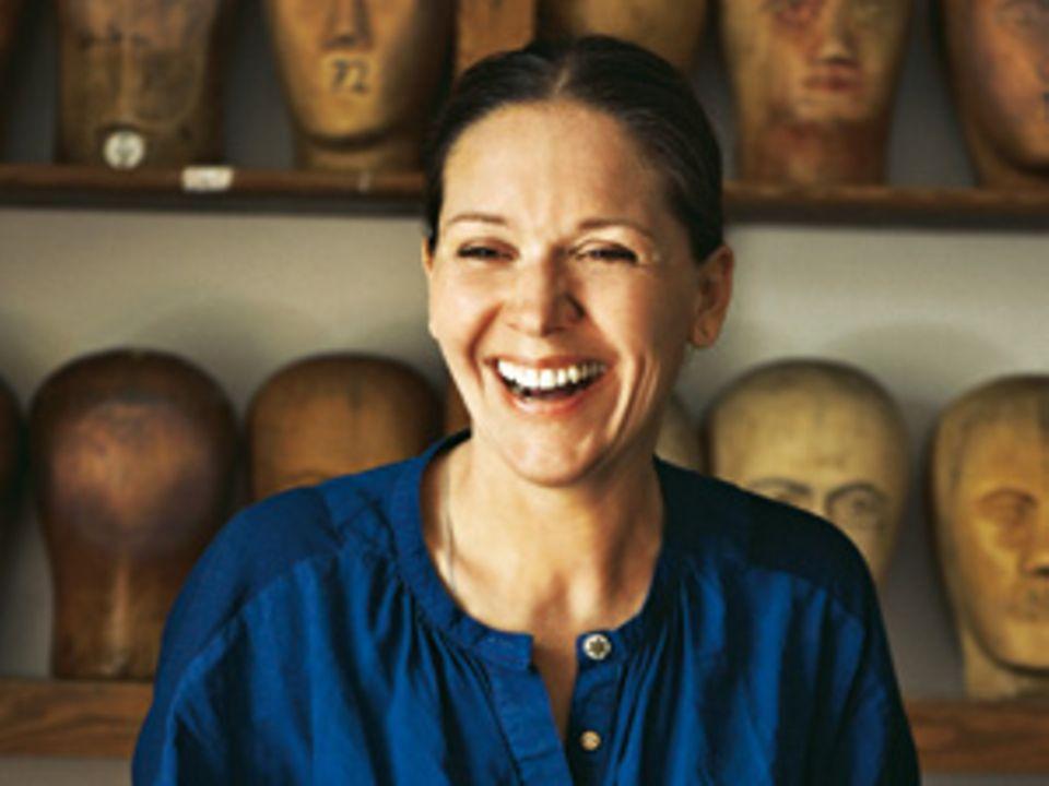 Heike Merker - die Frau, die Menschen auch mal hässlich schminkt