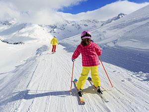 Gipfel der Gefühle: Skifahren mit Kindern