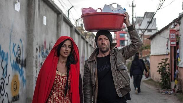 """Deutsches Künstlerduo Herakut: Für das """"Giant Storybook Project"""" waren Herakut 2013 unter anderem in Kathmandu unterwegs."""