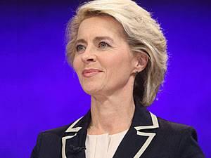 Neue Verteidigungsministerin: Ursula von der Leyen, CDU, wechselt im Kabinett der Großen Koalition vom Arbeits- ins Verteidigungsministerium