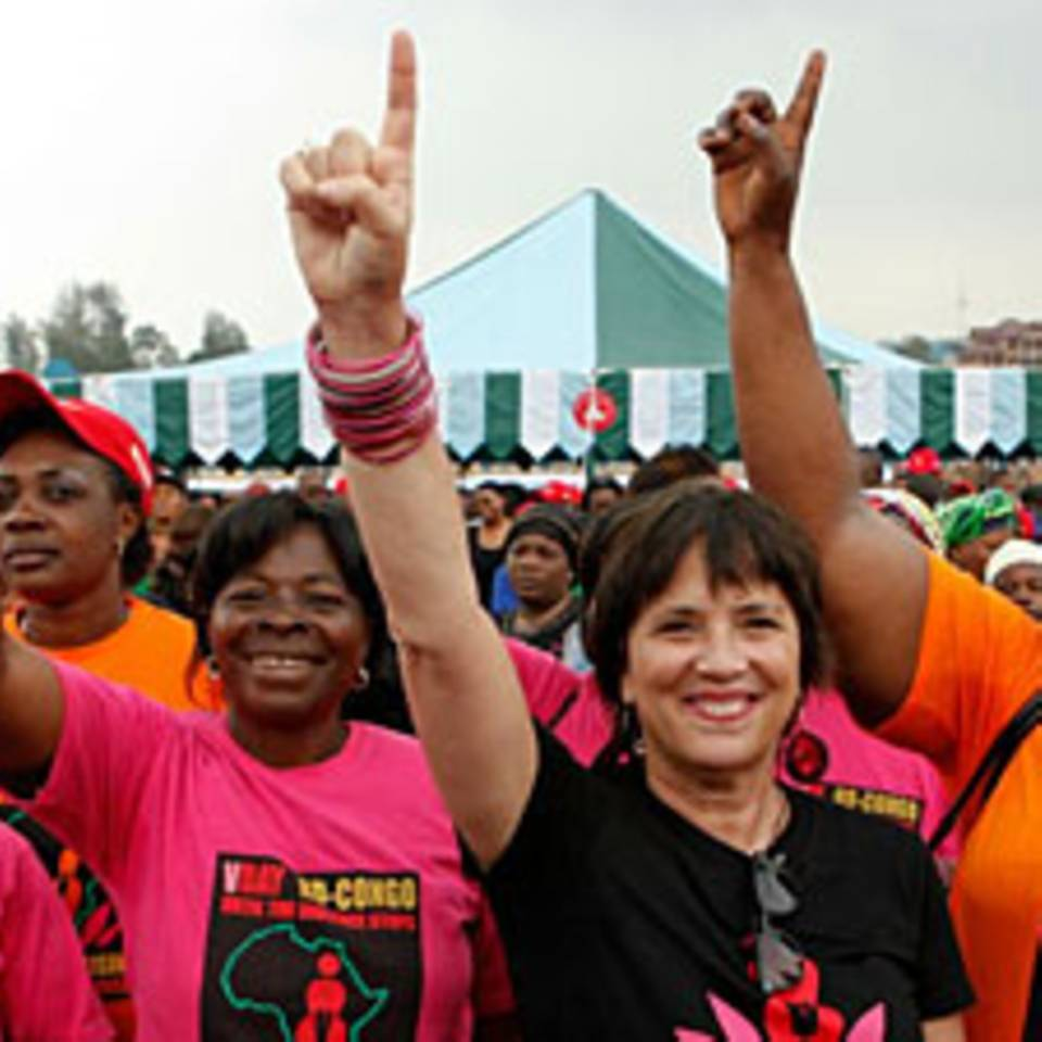 Eve Ensler: Ein Leben für eine Welt ohne Gewalt