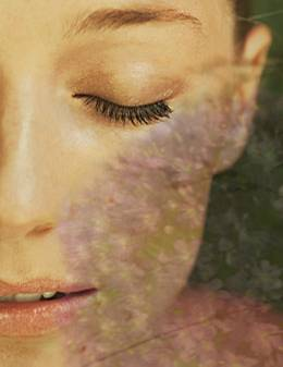 Haut: Wer wacht morgens schon makellos auf? Mit kleinen Tricks lassen sich Augenschwellungen mildern und Knitterfältchen glätten