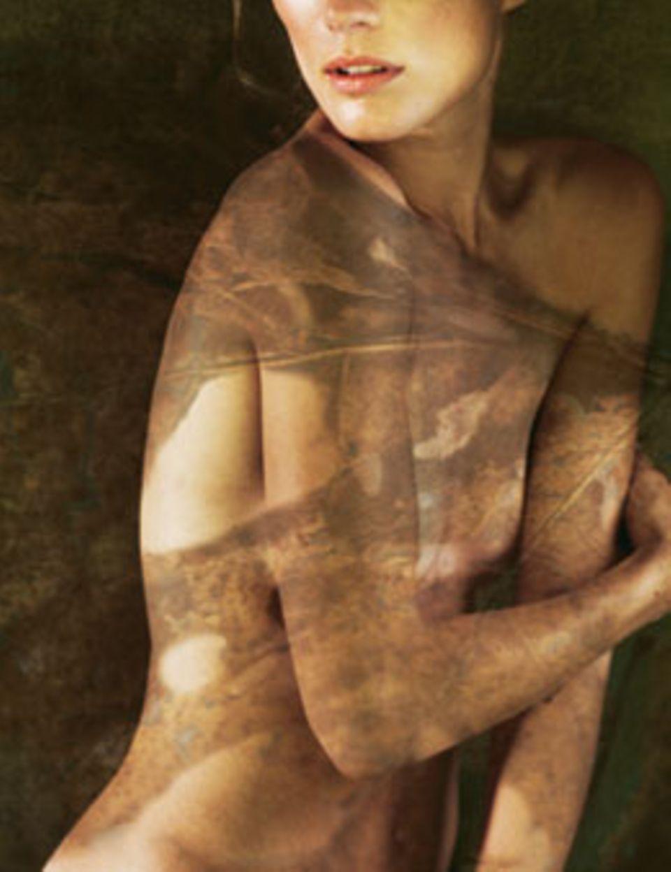 Fahle oder trockene Haut? Peelings regen die Durchblutung an, Feuchtigkeits-Seren frischen Gesicht und Dekolleté auf