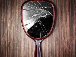 Selbstversuch eine woche ohne spiegel was macht das mit for Spiegel zerbrochen