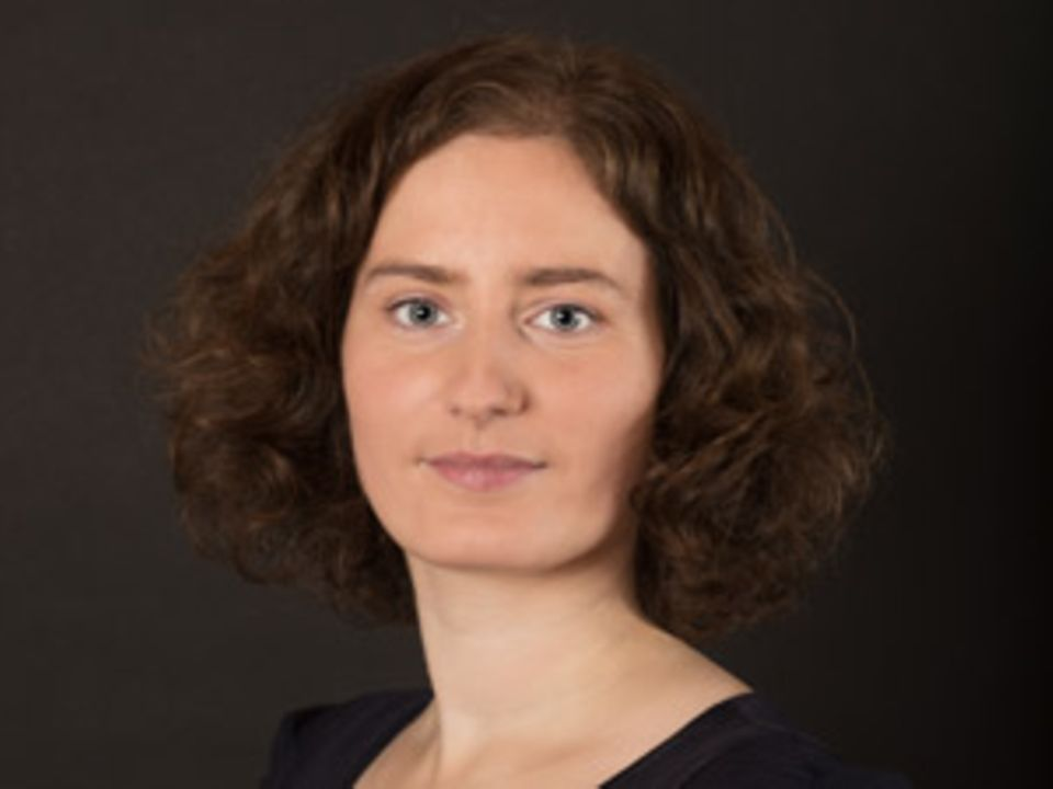 """Anke Bastrop, 31, startete die Petition """"Menschenwürde ist kein Ehrenamt – Hebammen brauchen höhere Vergütungen"""". Sie hat zwei Kinder und arbeitet in Schwerin als Schriftstellerin."""