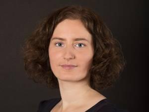"""Bedrohte Geburtshilfe: Anke Bastrop, 31, startete die Petition """"Menschenwürde ist kein Ehrenamt – Hebammen brauchen höhere Vergütungen"""". Sie hat zwei Kinder und arbeitet in Schwerin als Schriftstellerin."""