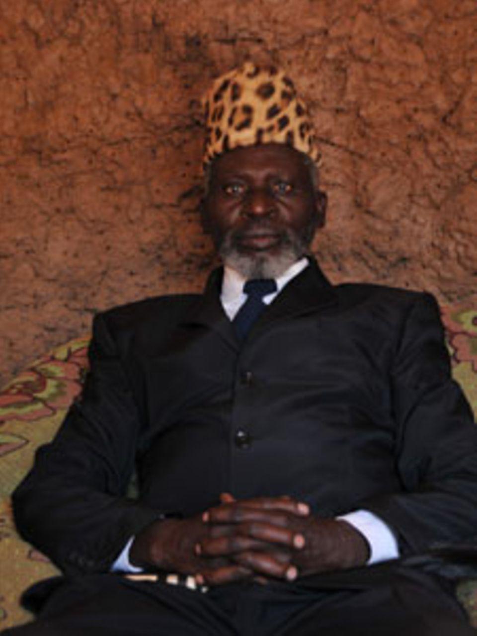 Chief Joseph Tembe, der mit Stammesnamen Mayuni heißt, ist das Oberhaupt der Mafwe in Caprivi und ein Vorkämpfer für den Naturschutz