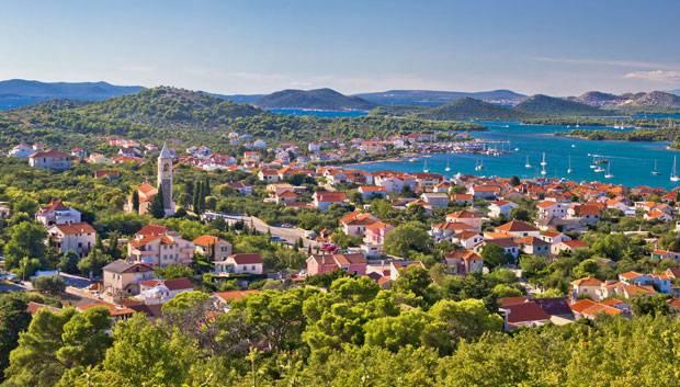 Kroatien: Schnell hin: Die grüne Insel Murter ist über eine Zugbrücke zu erreichen