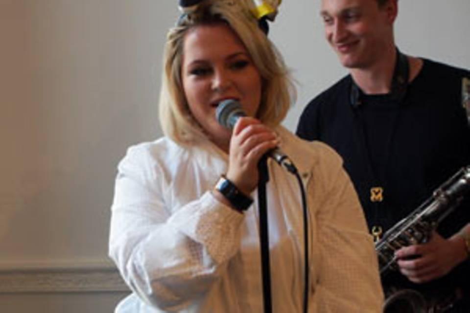 Drei Fragen an Sängerin Elli Ingram