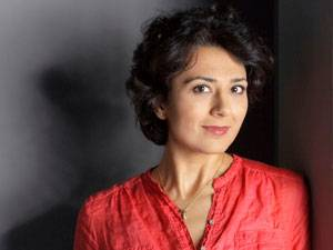 Medien im Ukraine-Konflikt: Golineh Atai, 39, ist Korrespondentin des WDR in Moskau und derzeit eine der besten derzeit besten TV-Reporterinnen