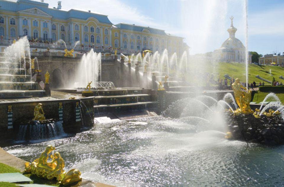 Schloss Peterhof am Finnischen Meerbusen