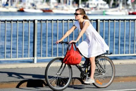 Radfahren ohne Helm: Keine automatische Mitschuld bei Unfällen