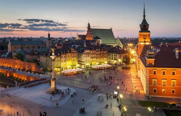 Der Schlossplatz ist das Tor zur Altstadt.