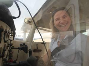 60 Stimmen: Ruth Haliti, wohnt in Essen und zwar gerne. Verheiratet, keine Kinder, Zollfahnderin. Sie macht auch Fahndungs-Presse- und Öffentlichkeitsarbeit. Ihre Hobbys sind das Fliegen und die Neugierde auf alles, was Spaß bringen könnte.