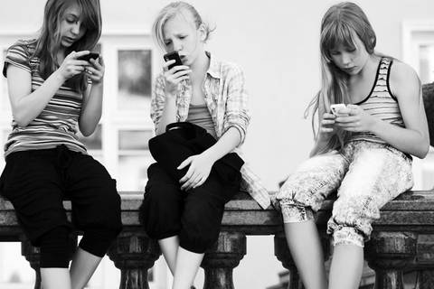 Ihr Kind antwortet nicht auf Anrufe? Diese App zwingt es dazu