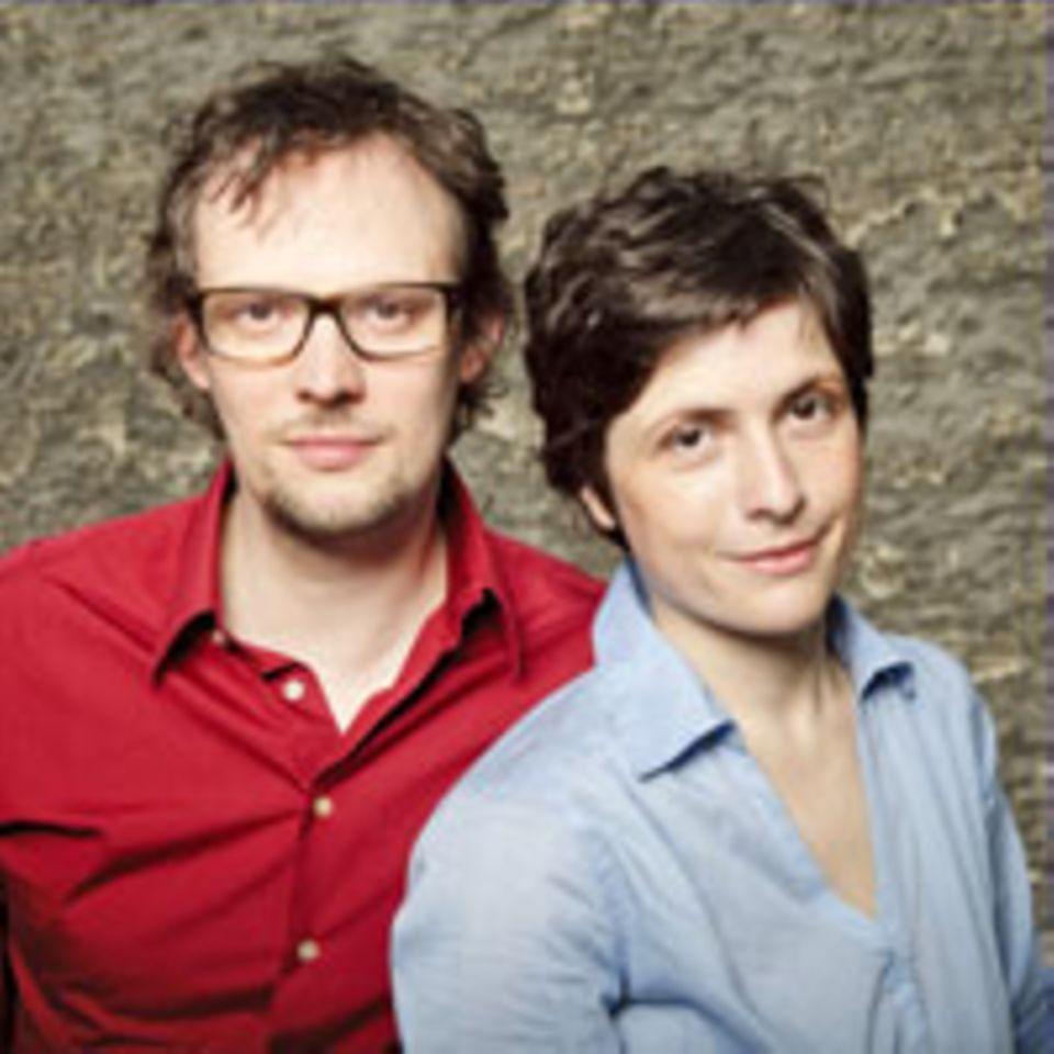 """Zusammen mit Thomas Lindemann hat Autorin Julia Heilmann das Buch """"Alle Eltern können schlafen lernen"""" (Atlantik, 16,99 Euro) geschrieben - ein Plädoyer für das nicht perfekte Familienleben."""