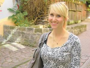 60 Stimmen: Julia Tries, 29, hat Publizistik in Mainz und Krakau studiert. Aus einem ursprünglich als Urlaub angelegten Aufenthalt in Südamerika ergab sich, dass sie sich dort niederließ. Zurzeit lebt in Santiago de Chile und arbeitet als Englischlehrerin.