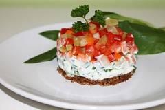 Gemüse-Tatar mit Bärlauchcreme