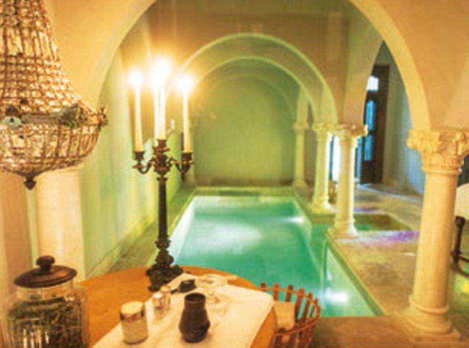 """Der Pool im Hotel """"Les Jardins Secrets"""""""
