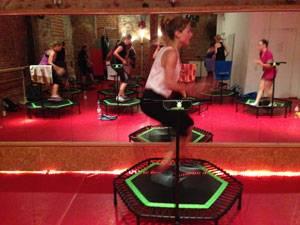 Jumping Fitness: Hüpfen, bis die Muskeln brennen